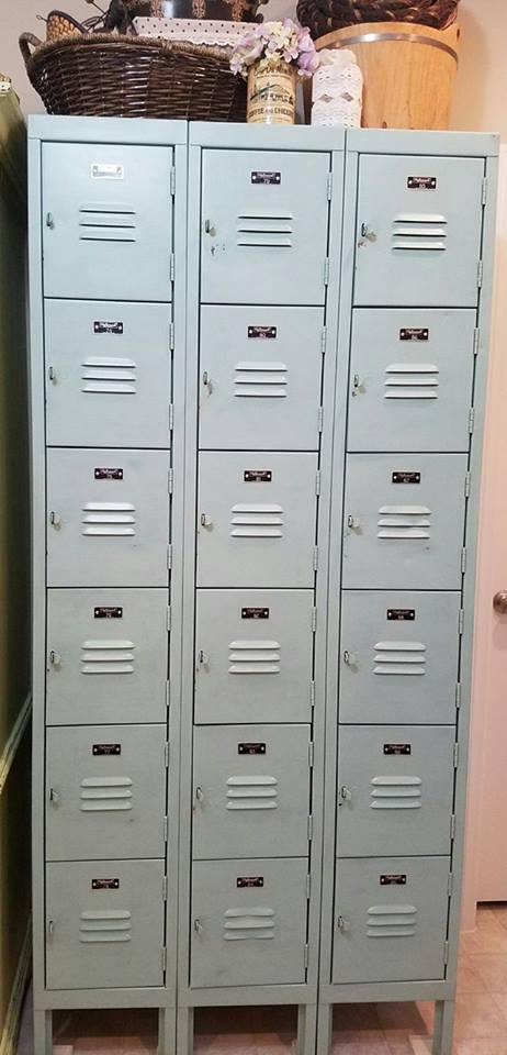 sweet-peas-charm-grey-silk-lockers.jpg